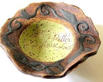 Mini bowl - small serving dish - kitchen and bath accessory - trinket bowl - home decor