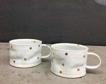 gold dots - textured porcelain crumple cup