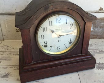 Vintage Seth Thomas Chime Clock Pendulum Mantle Clock - Key