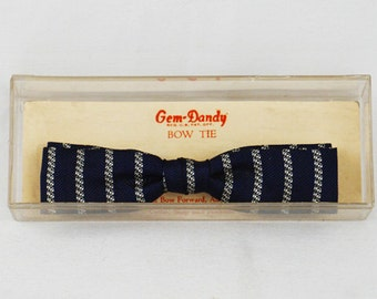 Vintage 1950s Batwing Bow Tie Bowtie Gem-Dandy Snap On Navy Blue and White NWT Original Card and Box