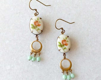 Rose Earrings with mint beads - Vintage inspired Jewelry - Mint green - Long Dangle Earrings - Esmee (SD1268)