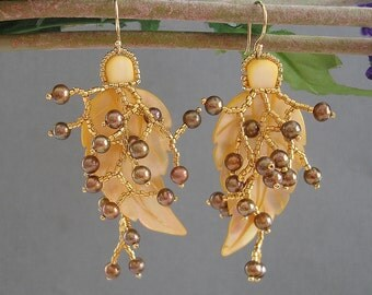 Leaf Shell with Freshwater Pearl Berries Earrings.