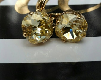 Square Cushion-cut 12mm Swarovski Crystal Dangle Lever-back earrings, Gold, Crystal Champagne