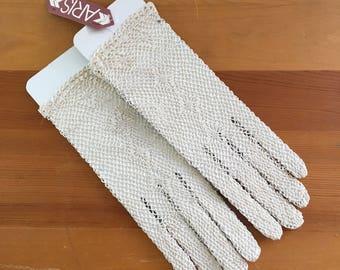 80s Aris Cream Beige Crochet Wrist Gloves, NWT,  Size Small to Medium