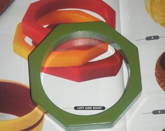 vintage bakelite octagon geometric green bangle bracelet