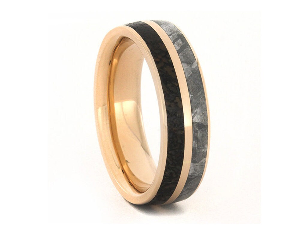 zoom - Dinosaur Bone Wedding Ring