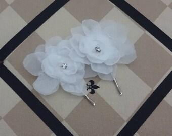 Handmade Floral Wedding Hair Pins, White Bridal Hair Flowers, Wedding White Hair Flower Pins, Set of 2, White Floral Bobbi Pins