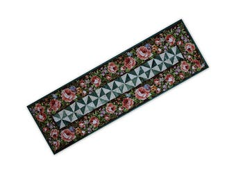Table Runner Handmade Quilted Patchwork Features Pink Roses Free USA Shipping