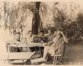 Original Vintage Photograph Snapshot Men Women Camera At Table Outdoors 1950s-60s