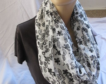 Black and White Floral Print Infinity Scarf, Circle Scarf, Loop Scarf, Cowl, Summer Scarf, Summer Cowl, Fabric Scarf