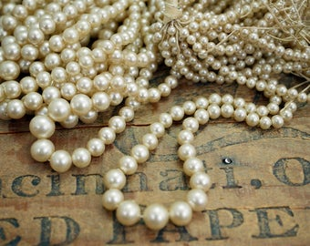 Vintage Glass Pearl Graduated Strand No Clasp Pearl Strand Faux Pearls Cream Pearls (1) MP114