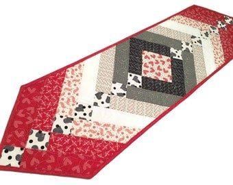 French Braid Quilted Table Runner, Hearts Table Topper, Red, White Black Valentines Day Quilt, First Crush by Sweetwater, Quiltsy Handmade
