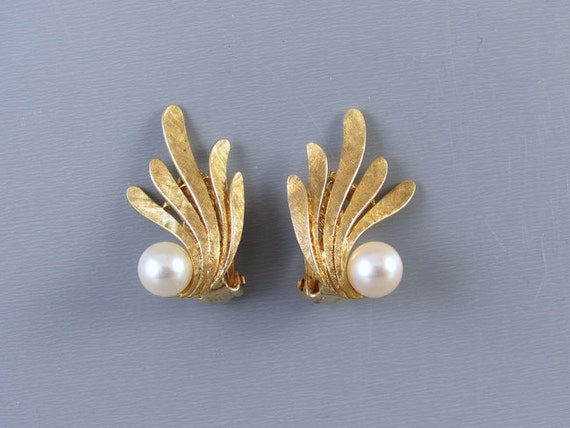 Vintage mid century 14k gold cultured pearl fan shaped clip on earrings with adjustable feature