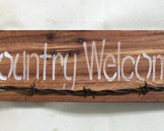 Country Welcome Reclaimed Wood Sign with Barbed Wire Embellishment, Welcome Rustic Sign, Wall Hanging, Wall Art. Entryway Decor, Farmhouse