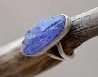 Rough Tanzanite Sterling Silver Ring.  Rare Purple - Blue Raw Tanzanite Gemstone Ring. Silversmith. Rustic Ring. Fine Jewelry. Size: 6
