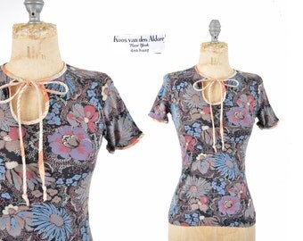 1970s KOOS van den Akker floral tshirt / 70s shirt / tie front top