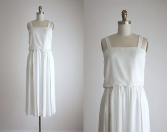 1970s pleated midi dress