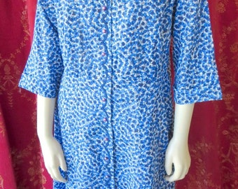 Late 1940s Blue Print House Dress Caldwell Label Home Frock Larger Size 44 Bust