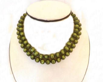 Vintage Choker Necklace with 2 Strands, Costume Jewelry, Green Necklace, Green Jewelry, Dressy Necklace, Glass Beads, Beaded Necklace