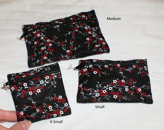 Red/White Flower Pouch (100)