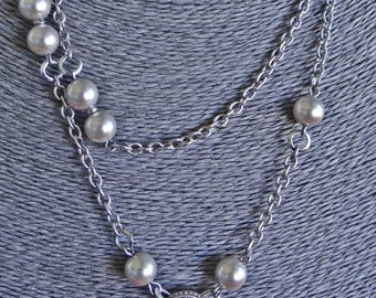 "Vintage silver tone  36"" necklace with rhinestones and glass pearls in great condition, appears unworn"