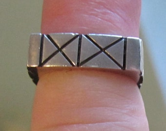Vintage Silver Native American X Pattern Size 6  Heavy Square Sterling Ring