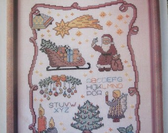 Merry Christmas Sampler/Counted Cross Stitch Patterns by Zweigart/Wall Hanging/Christmas Decoration