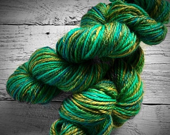 Handspun yarn, handspun worsted yarn, handspun wool yarn, hand spun yarn, green yarn, knitting, crocheting