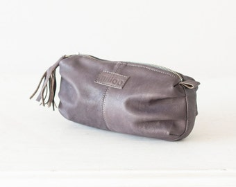 Grey leather makeup case, cosmetic bag vanity  accessory bag case utility bag zipper pouch - Ariadne makeup bag
