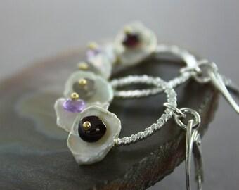 Sterling silver hoop earrings with keishi white pearls and small gemstones - Boho earrings - Dangle earrings - White pearl earrings - ER050