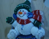 Bucilla Felt SNOWMAN on SAUCER CHRISTMAS Ornament from the Winter Fun Collection