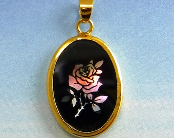 Rose Pendant Vintage Cameo Black Cabochon in Gold setting D-313