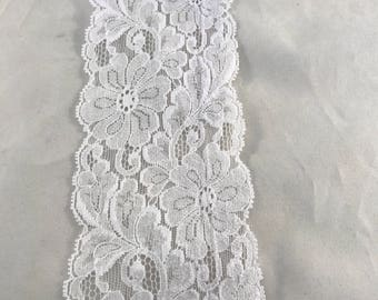 White Flat Lace Sold per Yard