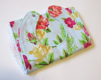 Handmade bib & burpcloth set | Hibiscus Floral | Baby Shower gift | Its a Girl | Welcoming gift | Ready to ship!