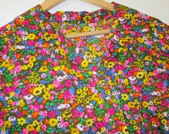Plus Size Vintage Floral Blouse / Hippie Blouse / Floral Smock Top / Plus Size Blouse / Bright Flowers / Plus Size Blouse / Smock Top