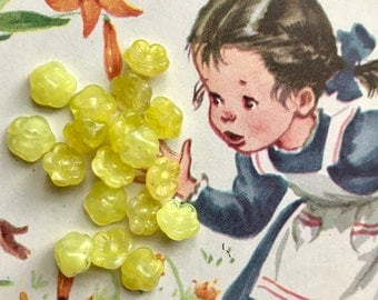 Vintage Glass Button Beads,Miriam Haskell Style,Yellow flower beads,Vintage Glass Buttons,Button Back,Yellow Czech Glass,7mm #1693A