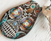 Sugar Skull Keychain - Black Leather Version - painted and hand stamped - Día de los Muertos - Day of the Dead - Mexicali - Mesa Dreams