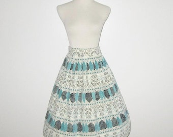 Vintage 1950s Skirt / 50s Corduroy Skirt / 50s Corduroy Skirt With Leaf Design - XS, S