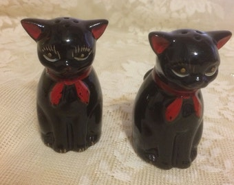 Cute Little Black Cat Salt and Pepper