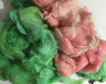 Build a Batt Suri Alpaca fiber art add in green and pink 4 oz combings
