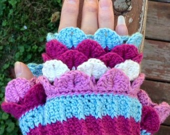 Fluffy Fingers Mitts