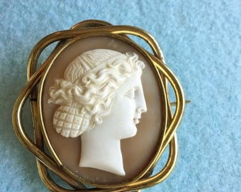 Mid-Victorian Cameo Brooch Carved Shell Female Figure