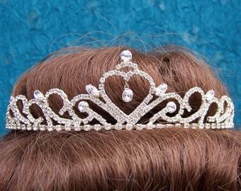 Vintage rhinestone tiara prom pageant wedding bridal headdress 1980s fashion headpiece (AAG)