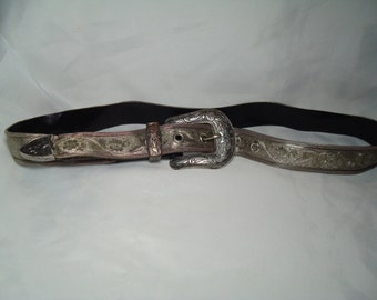 1980s WESTERN Silver Mesh Cowgirl Rodeo Belt.