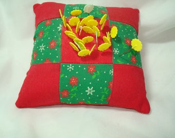Vintage Quilted Saures Pin Cushion with Quilting Pins .
