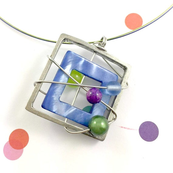 Square metal stainless necklace colors, lavender, purple, green, mother of pearl, pewter and stainless steel tiger tails, les perles rares