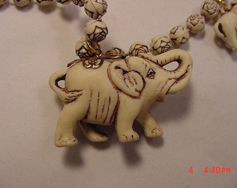 Vintage Elephant Necklace   16 - 763