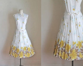 vintage 1960s floral dress -  POET'S WIFE rose print dress  / S