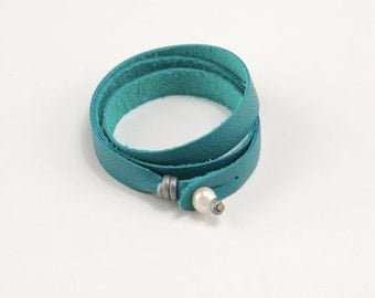 Leather Wrap Bracelet in Turquoise with Freshwater Pearl