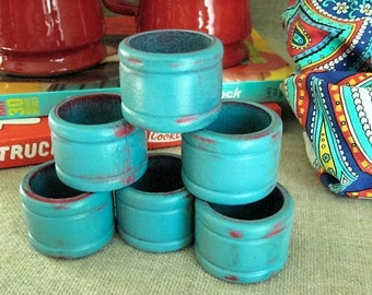 Set of 6 Retro Turquoise and Red Wood Napkin Rings / Six Wooden Napkin Rings / Kitschy Retro Color Napkin Rings - Turquoise and Red